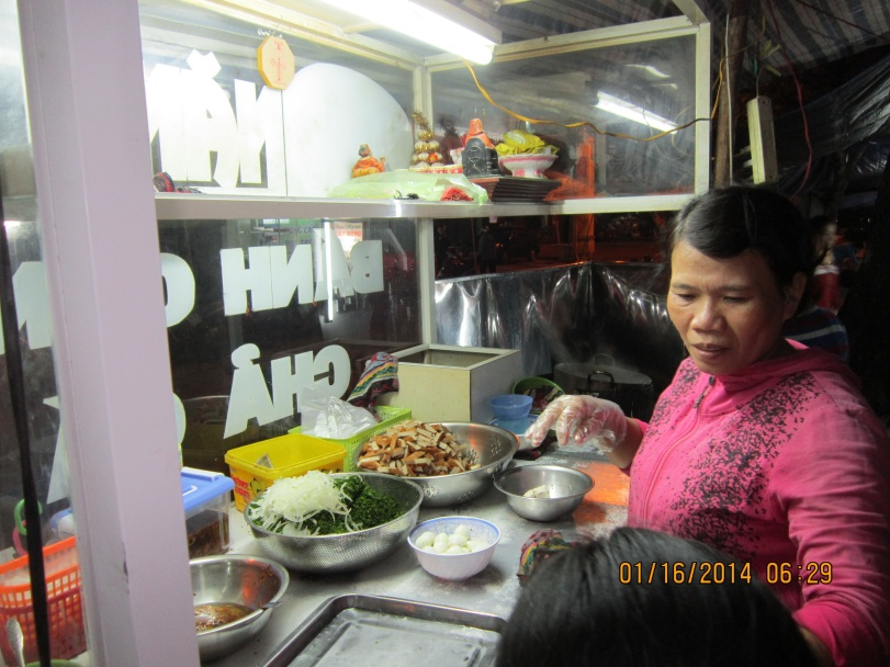 I was thankful to the owner for serving me the iced tea. Photo: Mai Ngoc Chau